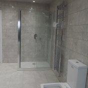 largebathroom2